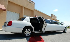 lincoln-stretch-limo-Broken Bow